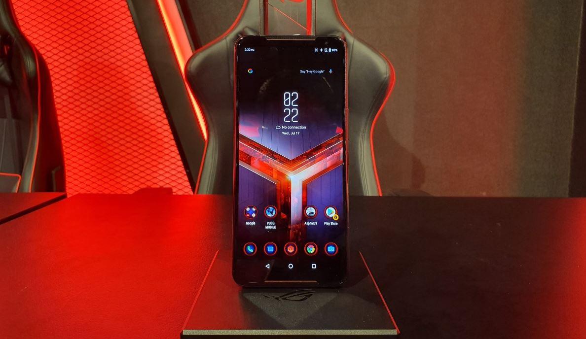 Gadget Asus ROG Phone 2 menjadi salah satu dari Rekomendasi 5 Gadget Saat Dirumah Aja Ala Gamers